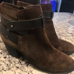 DV Dolce Vita Brown Suede Heeled Booties Size 7